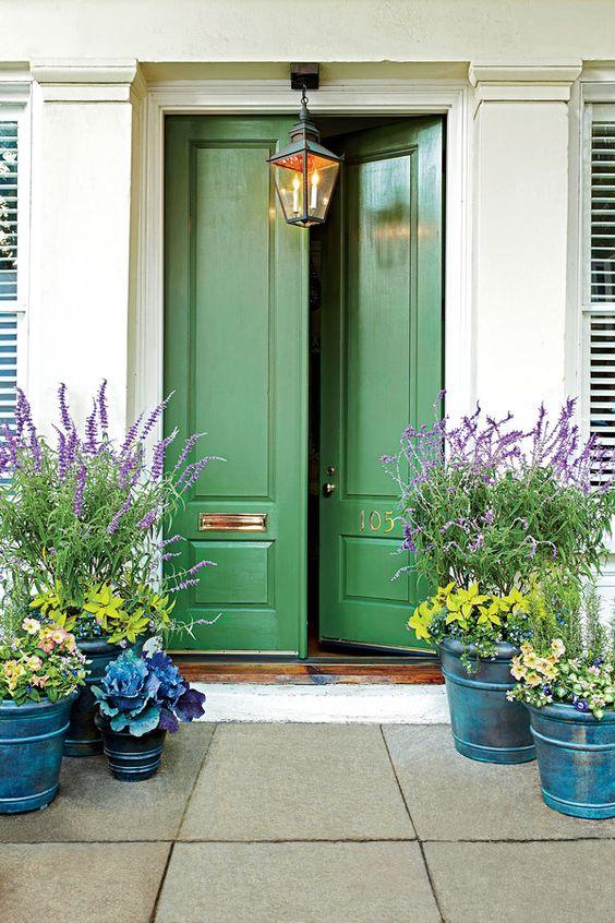 27 Flowerpots That Will Brighten Up Your Front Porch