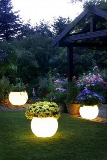 22 Gardening Hacks Everyone Should Know