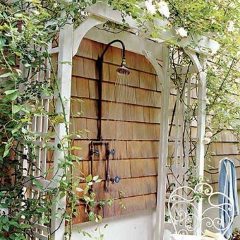 30 Amazing Outdoor Showers Page 7 Of 27 Bees And Roses