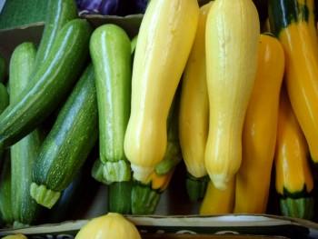 Grow Vegetables, Grow Vegetables Pots, Vegetable gardening, growing veggies, container gardening, popular pin, growing veggies in containers, gardening hacks, easy gardening.