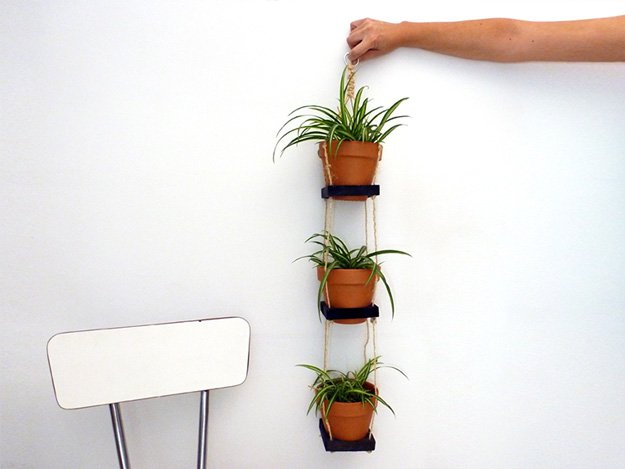 pallet-garden-projects-diy-hanging-garden-with-pallets