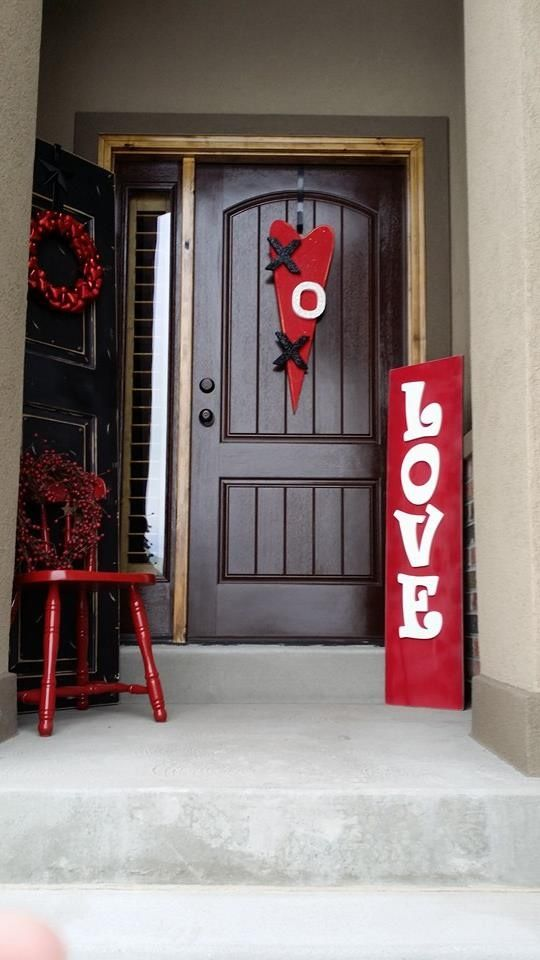 12 Valentines Day Porch Decor Ideas Page 13 Of 14 Bees And Roses