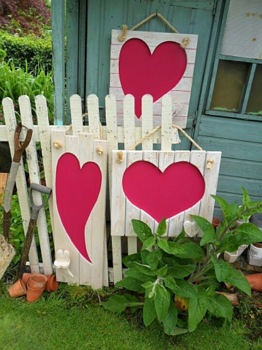 12 Valentines Day Porch Decor Ideas Bees And Roses
