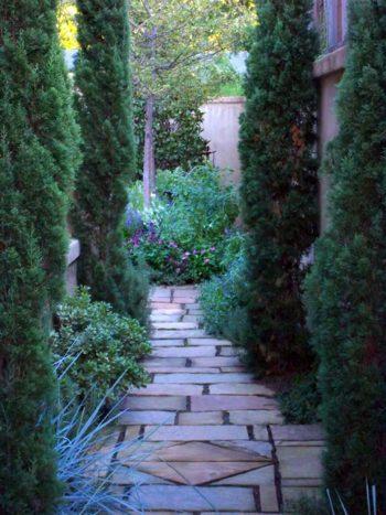 Garden Pathways, DIY Garden Pathways, Garden Path Ideas, Garden Paths and Walkways, Gardening, Garden Ideas, Gardening Ideas