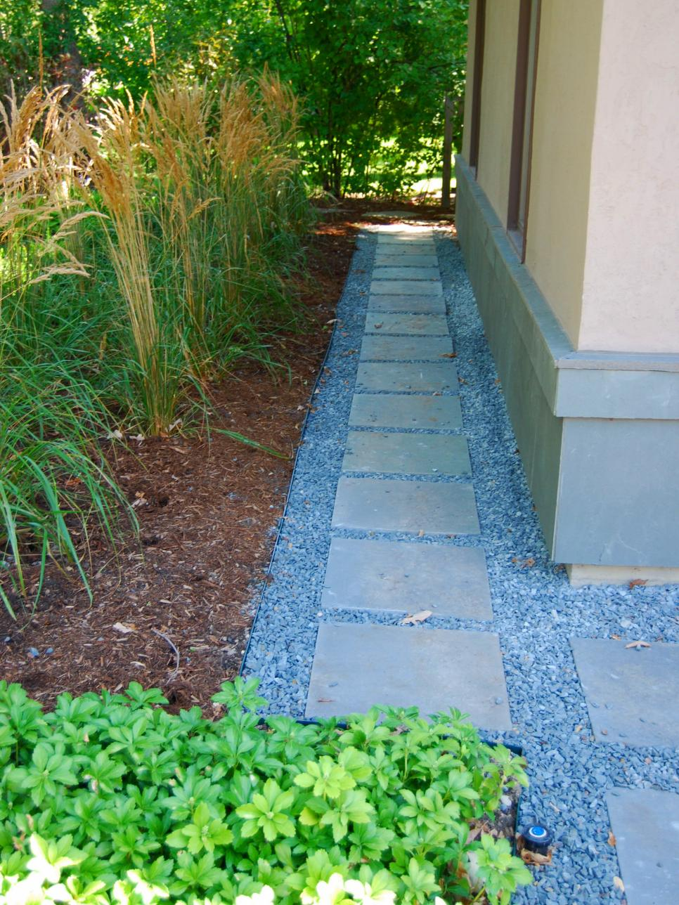 Garden Pathways, DIY Garden Pathways, Garden Path Ideas, Garden Paths and Walkways, Gardening, Garden Ideas, Gardening Ideas