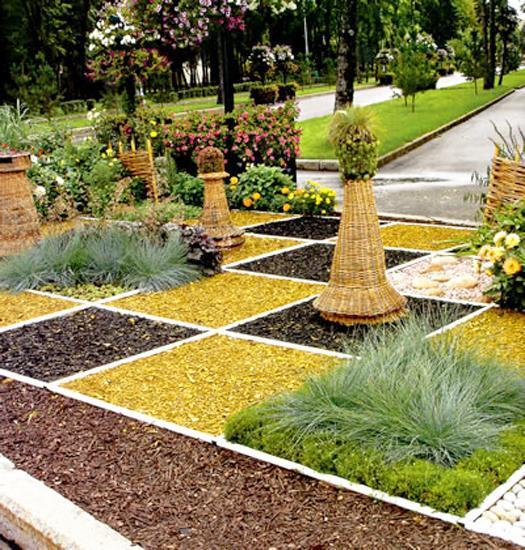 Landscaping Ideas for a Completely Unique Yard| Landscaping Ideas, Yard Landscaping, How to Landscape Your Yard, Fun Landscaping Ideas, Yard and Garden, Gardening Tips and Tricks, Gardening Hacks, Landscaping 101