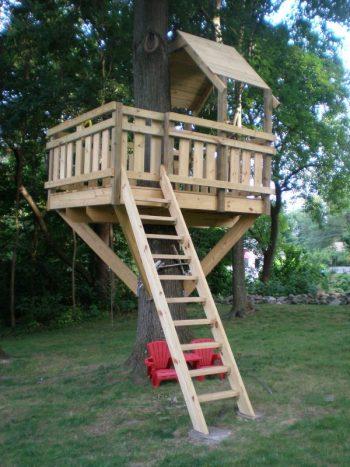 diy treehouse | treehouse | outdoor | outdoor fun | kids outdoor fun | kids treehouse | tree | diy | backyard | backyard treehouse | backyard fun