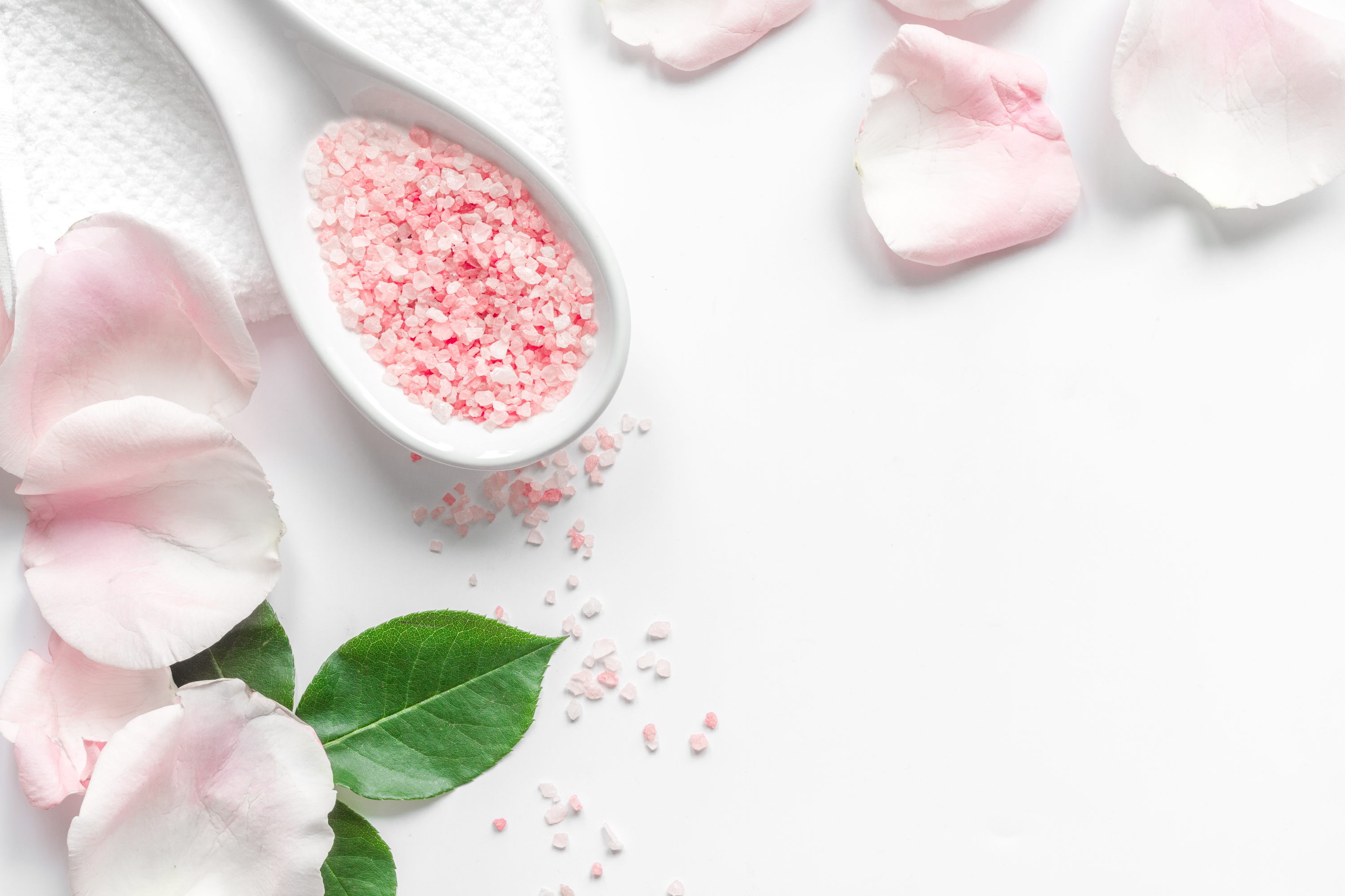 If you're looking for something you can DIY with stuff from your garden, look no further. These DIY bath salts are so easy to make and will help you relax.